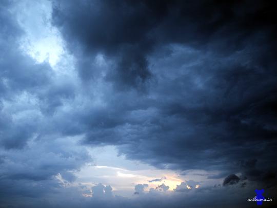 向こうの空に希望の光が・・・
